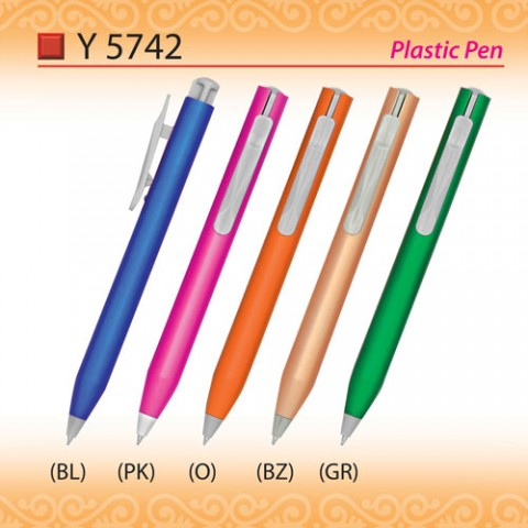 Trendy Plastic Pen (Y5742)